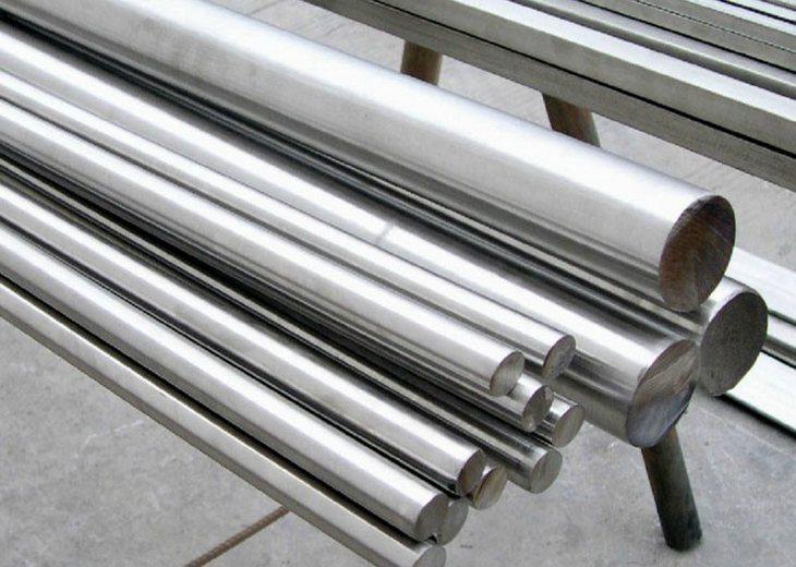 Прут стальной арматурный для строительства бетонированного крыльца