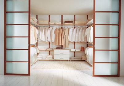 Раздивжные двери пенал для гардеробной