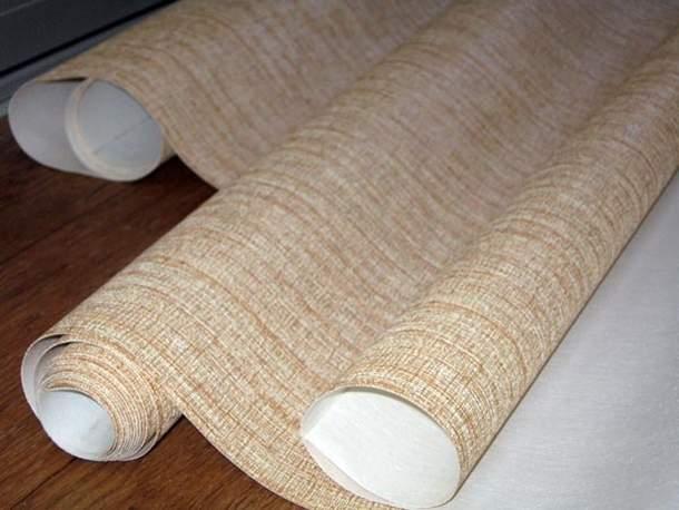 Поклейка широких полотен имеет свои сложности