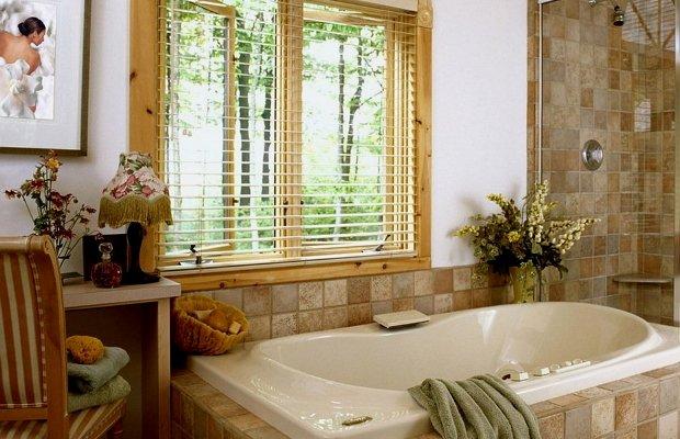 Ванная в частном жилом строении – строительство и планировка
