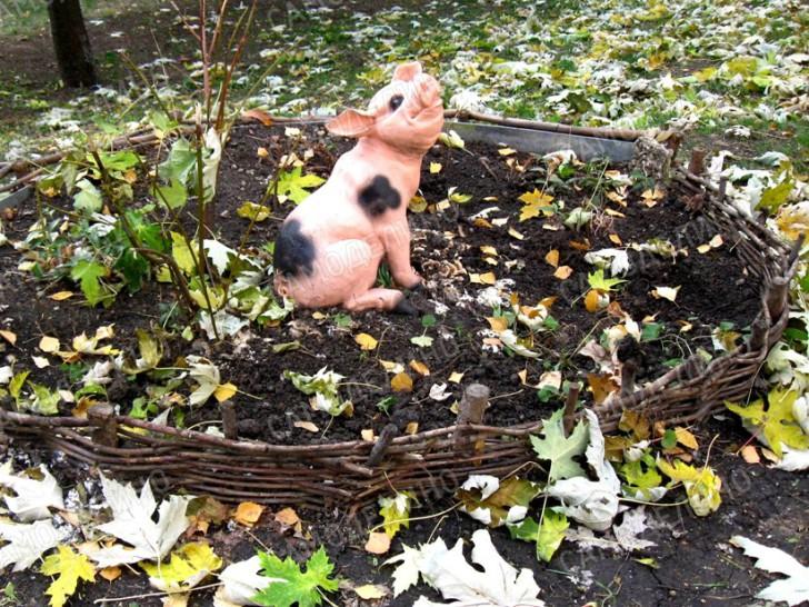 Свинка из гипса