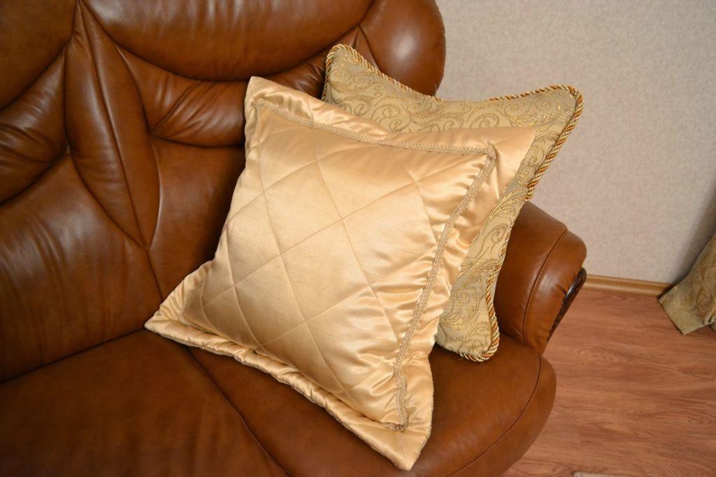 Стеганая подушка с бортиками