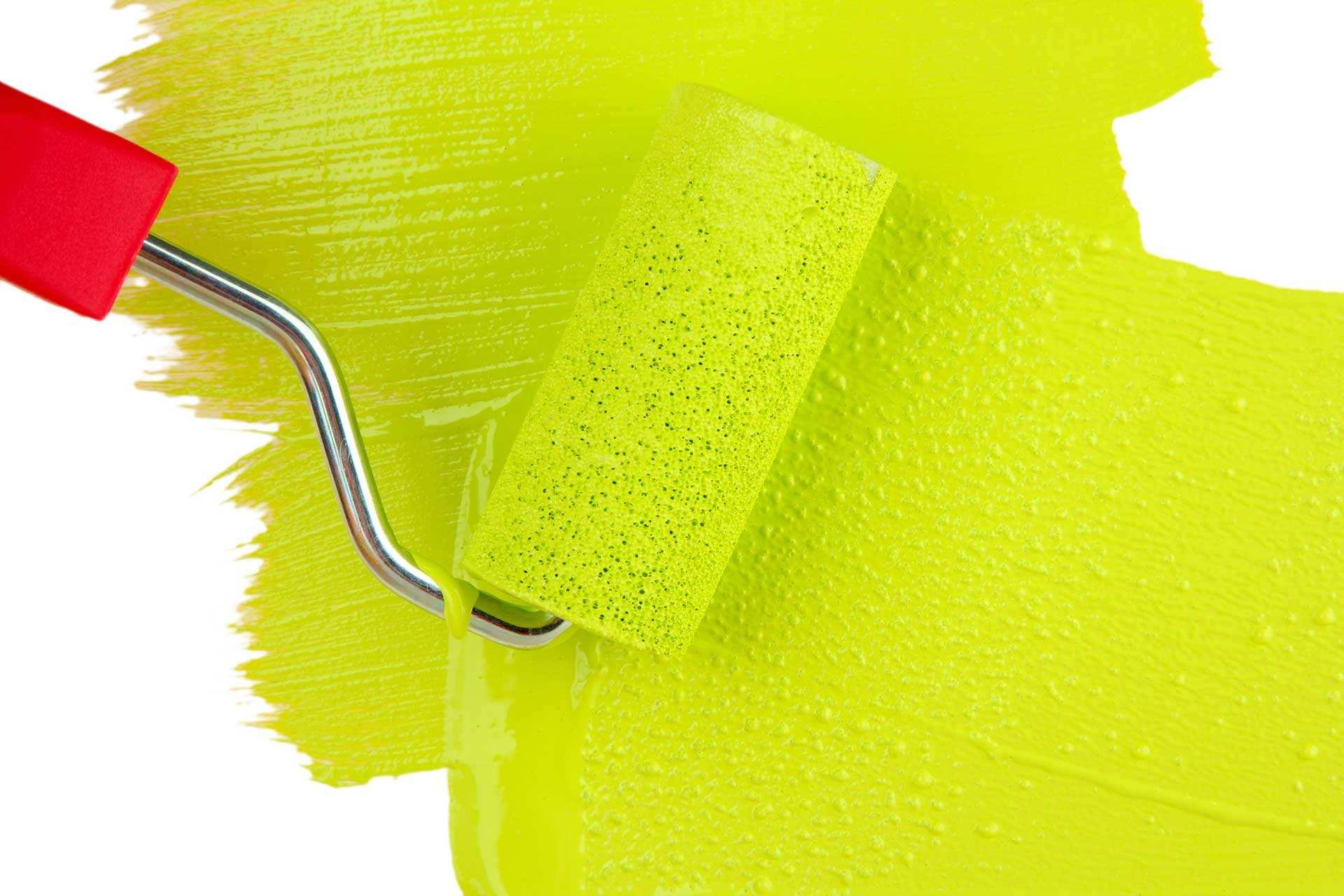 Прежде, чем покрасить межкомнатную дверь такого типа, ее придется разобрать на составные части.