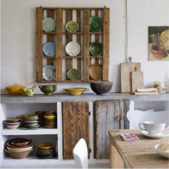 Кухонная полка-витрина