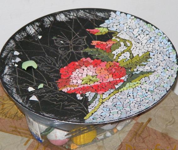 mozaika-iz-bitoj-plitki-12