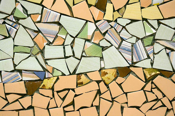 mozaika-iz-bitoj-plitki-14