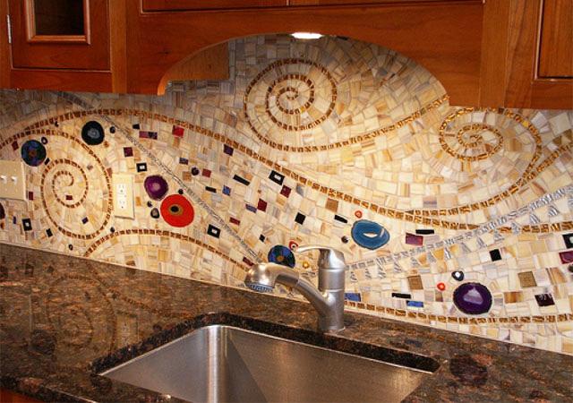 mozaika-iz-bitoj-plitki-2