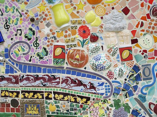 mozaika-iz-bitoj-plitki-23