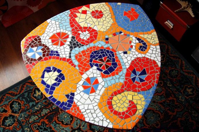 mozaika-iz-bitoj-plitki-8