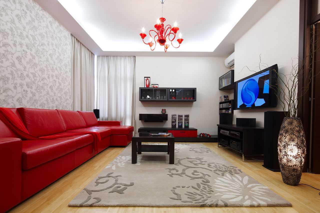 комбинирование ярких обоев в декоре гостиной комнаты