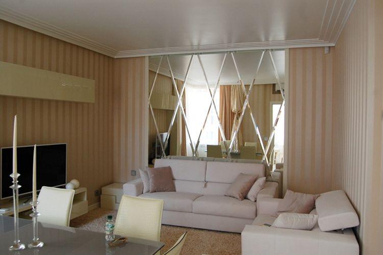 Современная гостиная в пастельных тонах