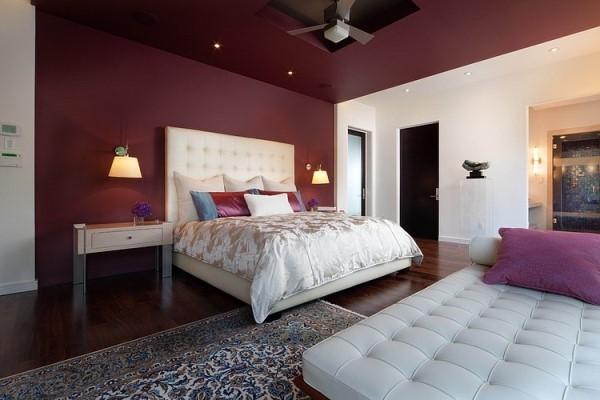 как красиво наклеить обои в спальне двух цветов фото 7