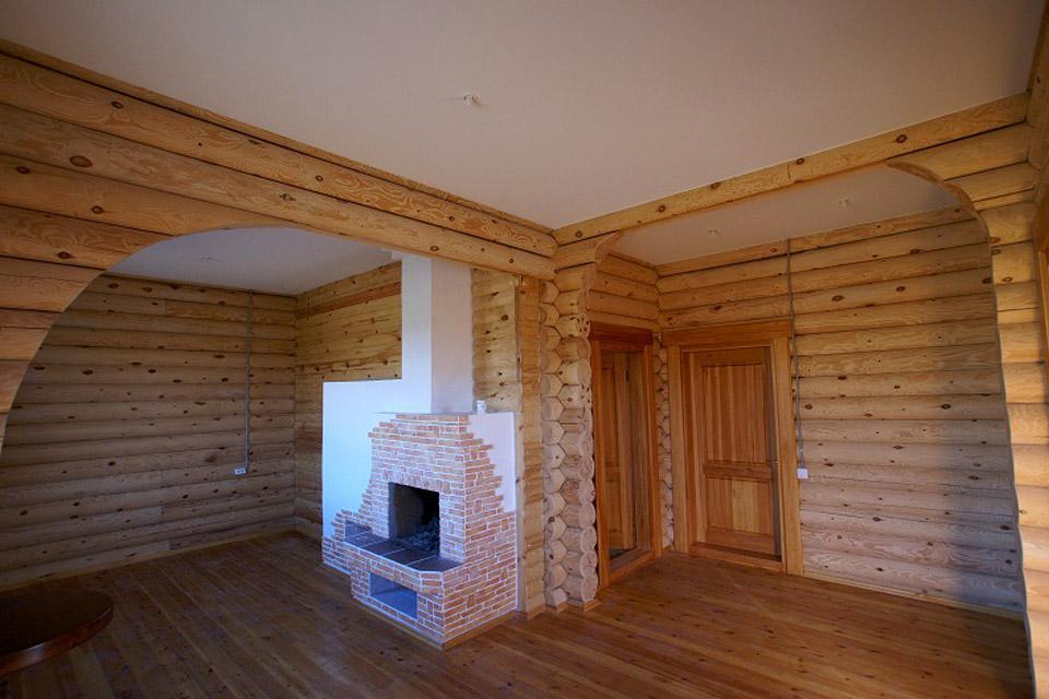 Потолок из гипсокартона в бревенчатом доме